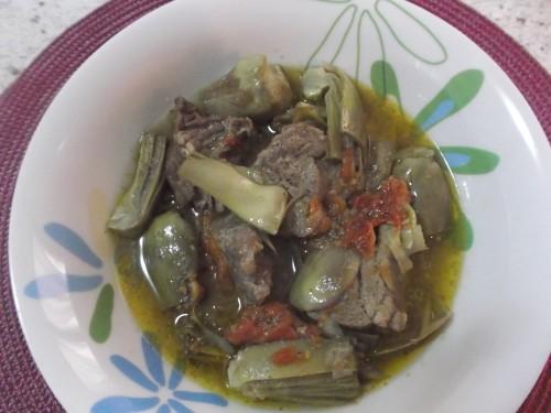 spezzatino,carciofi,carne di vitello,carne,secondo piatto,ortaggio primaverile,spezzatino con carciofi