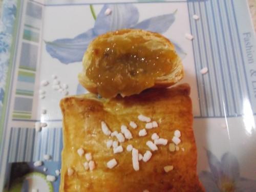 sfogliatine con marmellata,ricette bimby,pasta sfoglia,marmellata all'arancia,arancia,dolci,merenda,prima colazione,granella di zucchero,sfogliatine