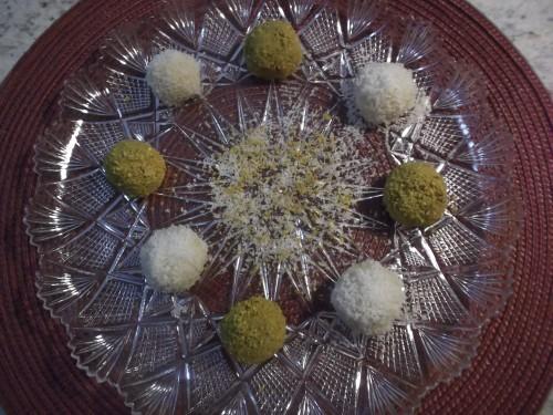 palline di mascarpone e ricotta con cocco e pistacchi