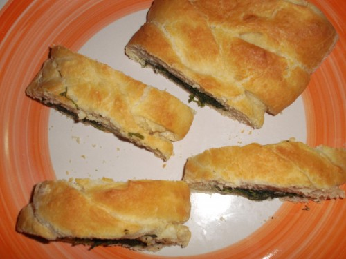 treccia pasqualina,ricette di pasqua 2013,spinaci,treccia salata,latte,parmigiano grattugiato