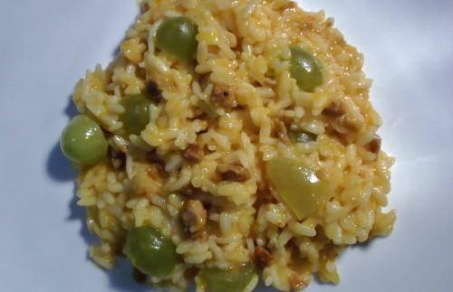 risotto, risotto con uva bianca e salsiccia, uva bianca, frutta autunnale, salsiccia, primo piatto, riso, ricetta autunnale, piatto autunnale